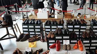 Kleider- und Schuhschrank Madoffs geöffnet für Ersteigerungswillige