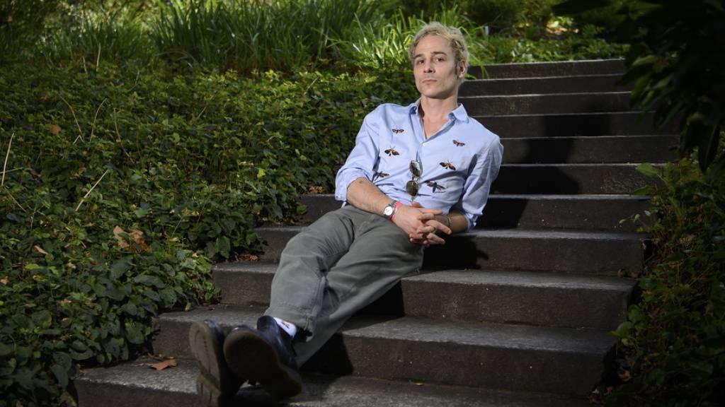 Der Basler Musiker Sam Himself gibt sich auf Fotos entspannt. Doch der Wahl-New Yorker ist ein von Kreativität Getriebener. Am heutigen Freitag erscheint sein Debüt-Album ‹‹Power Ballads››.