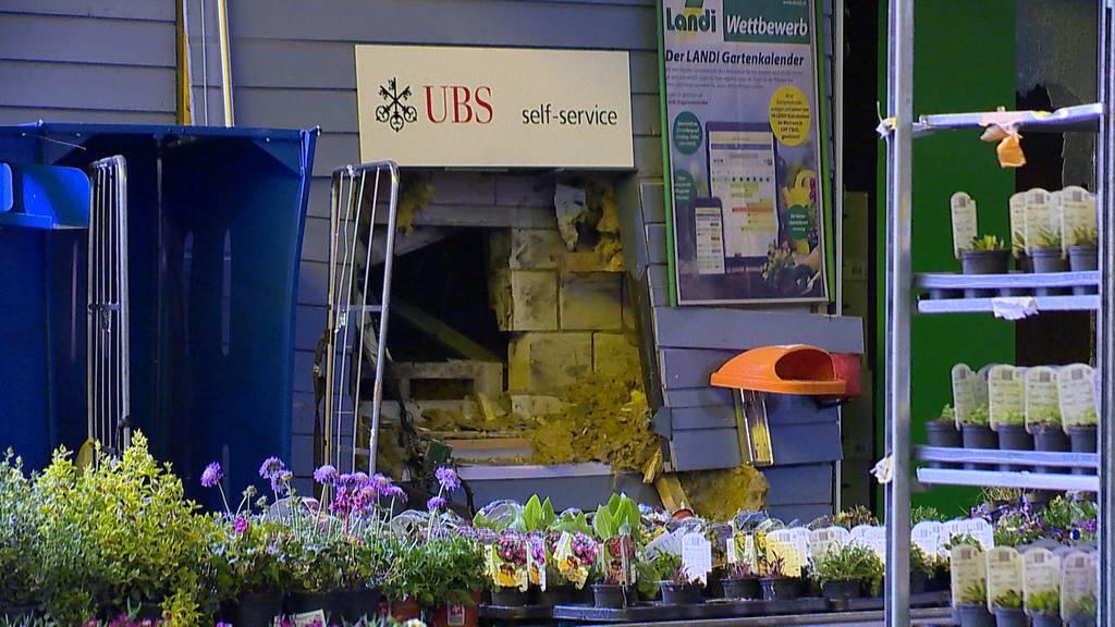 Aesch (BL): Grosser Sachschaden bei Bancomat-Sprengung