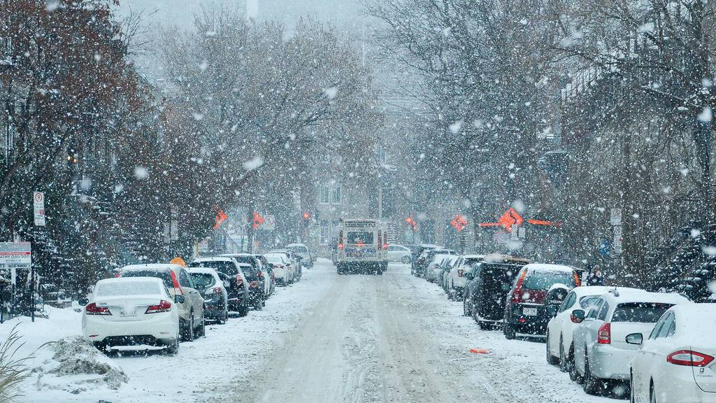 So kommt ihr mit dem Auto sicher durch den Schnee