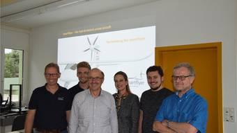 Referenten am Smartflyer-Jugendanlass: Von links Rolf Stuber, Gildas Höllmüller, Philipp Glocker, Sandra Dubach, Dario Roth und Leonardo Manfradi.
