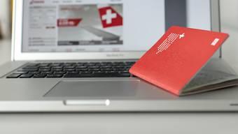 Die Schweiz kann Doppelbürgern das Schweizer Bürgerrecht entziehen, wenn sie wie beispielsweise Terroristen den Interessen oder dem Ruf der Schweiz erheblichen Schaden zugefügt haben. (Symbolbild)
