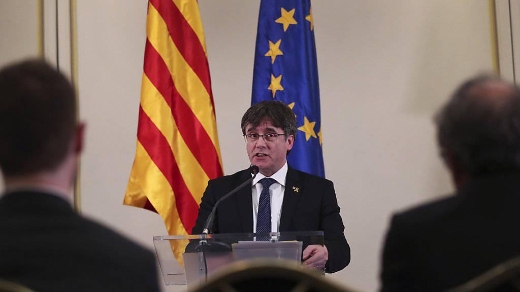 Carles Puigdemont ist von Spaniens Wahlbehörde von der Europawahl ausgeschlossen worden. (Archivbild)