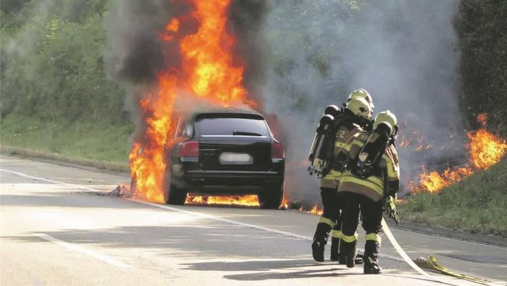 Wenns brennt, muss innert kürzester Zeit die Feuerwehr vor Ort sein. Weil die Personaldecke dünner wird, werden im Baselbiet neue Ideen angedacht.