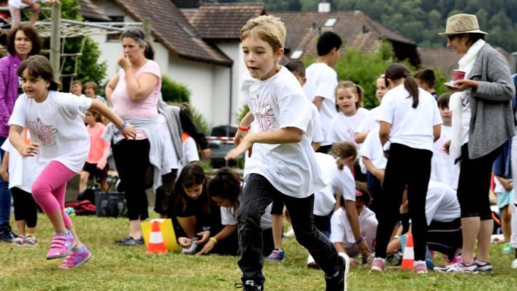 """Mellingen, 29.06.2018. Jugenfest der Schule Mellingen-Wohlenschwil. Mit dem Motto """"Mer wogeds"""". Spieltag am Jugendfest von Mellingen. Copyright by: Alexander Wagner Jugendfest 2018 Mellingen"""