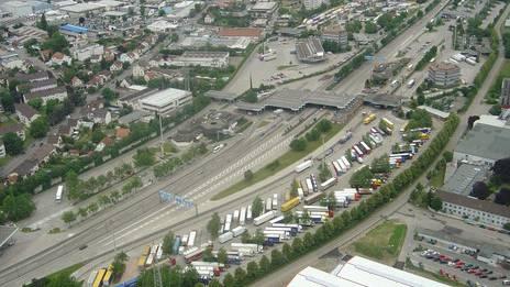 Beim Autobahnzoll in Weil am Rhein wurde der holländische Schmuggler ein erstes Mal erwischt.