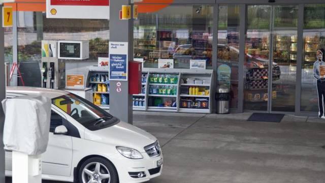 Syna kritisert die Anzahl 24-Stunden-Tankstellenläden (Symbolbild)