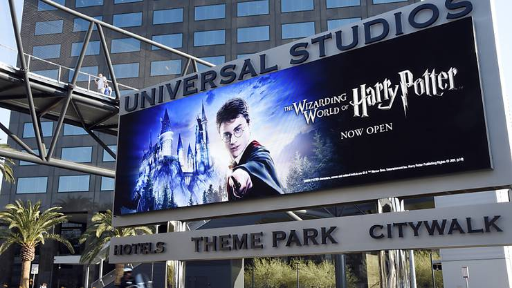 Die Universal-Studios in Hollywood schliessen vorübergehend wegen des Coronavirus. (Photo by Chris Pizzello/Invision/AP, File) Geo-Information: USA/Universal City Quelle: AP Fotograf: Chris Pizzello