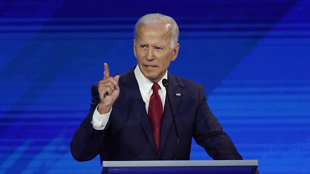 Dritte TV-Debatte: Biden gegen Warren und Sanders
