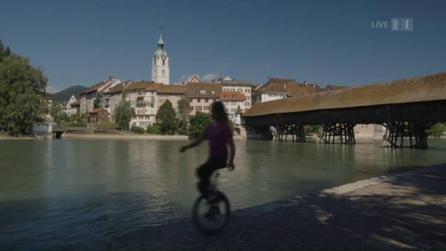 Züge, Einrad-Hockey, dr Chöbu und eine Wetterhexe: So präsentierte das Schweizer Fernsehen die Stadt Olten im «Donnschtig-Jass».