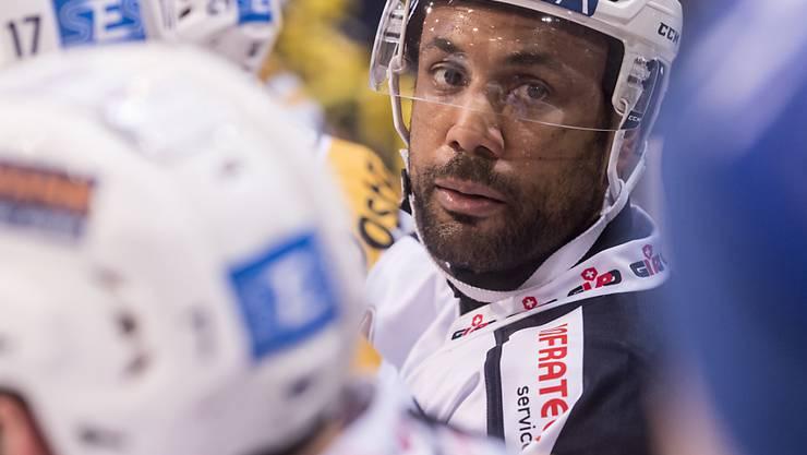 Michael Ngoy spielt auch in der nächsten Saison bei Ambri-Piotta