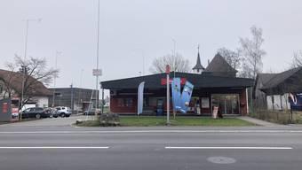 Bald Geschichte: Der Denner Satellit in Schafisheim.