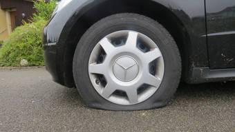 Auto Reifen zerstochen Kapo Aargau