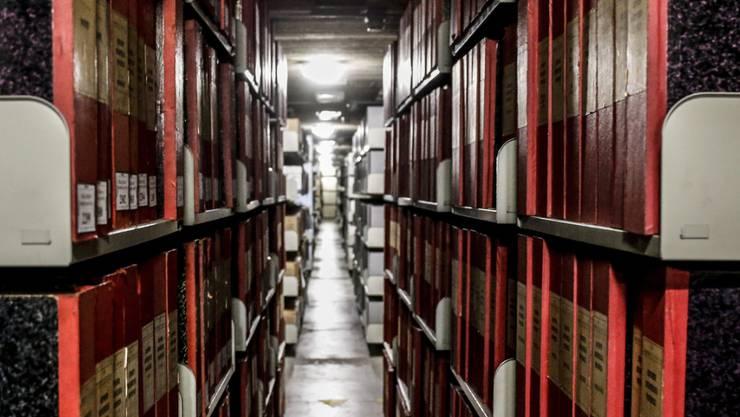Mehr als 60 Jahre nach dem Tod von Pius XII. hat der Vatikan seine Archive aus der Zeit des historisch umstrittenen Papstes geöffnet.