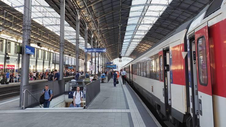 Am Bahnhof Olten kam es am Mittwoch Abend zu einer technischen Störung an der Bahnanlage. (Symbolbild)