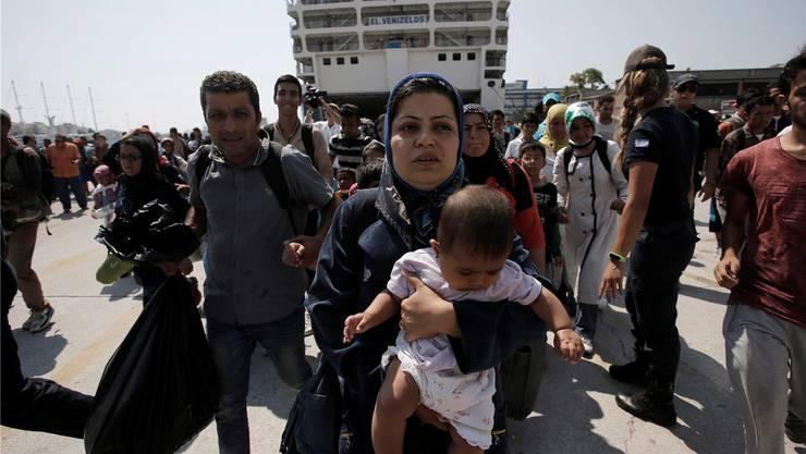 50 000 bis 60 000 Flüchtlinge kamen auf Kos innert weniger Wochen an – fünf Limmattaler wollen vor Ort mitanpacken.