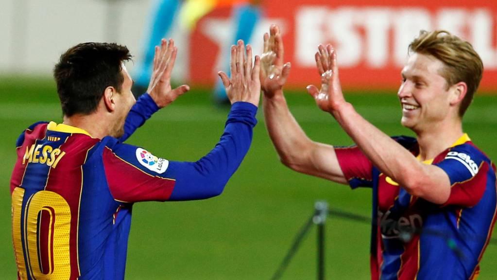 Abklatschen mit Frenkie De Jong: Lionel Messi überzeugte im Match gegen Getafe einmal mehr als Goalgetter.