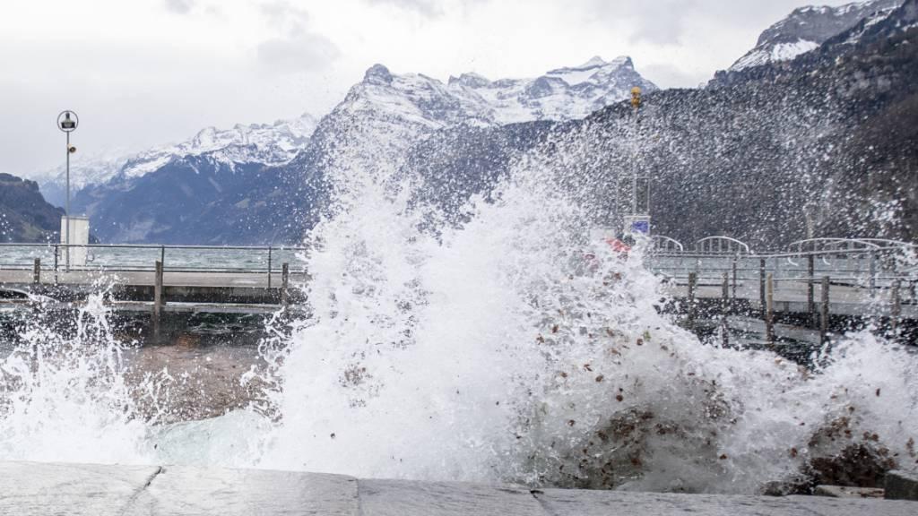 Ein Föhnsturm tobt derzeit über der Schweiz mit Windspitzen von bis zu 137 Kilometern pro Stunde. (Archivbild)