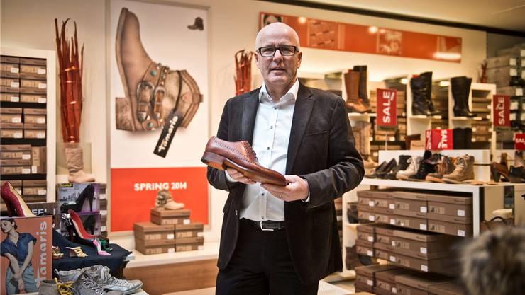 «Schuhverliebter Patron»: Dieter Spiess sagt, er zahle jetzt schon Löhne über 4000 Franken – wehrt sich aber dennoch mit aller Kraft gegen Mindestlöhne für die eigene Branche.