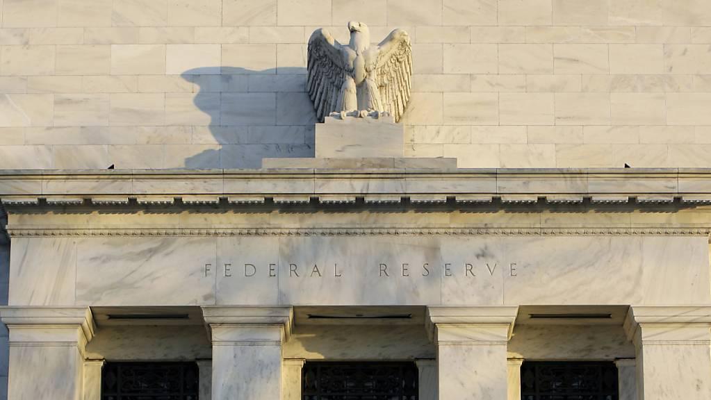 Die Federal Reserve Bank (Fed) belässt den Leitzins unverändert bei nahe null. (Archivbild)