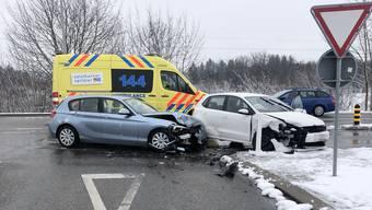 Die beiden Autos nahmen Sachschaden.