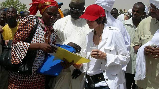 Micheline Calmy-Rey 2007 in Tschad (Archiv)