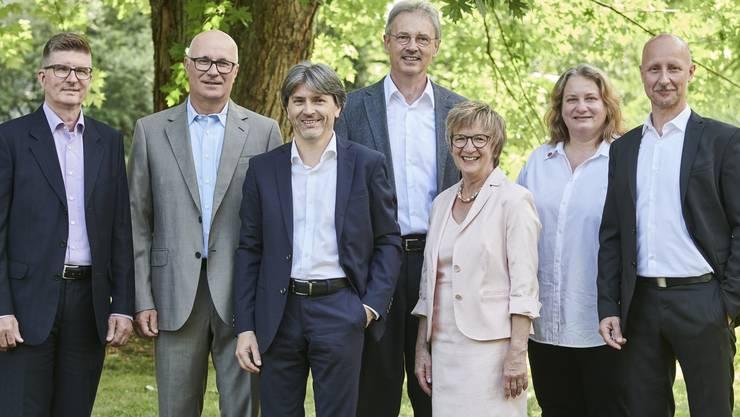 Das erste offizielle Gruppenbild (von links): Andreas Kriesi (GLP), Christian Meier (SVP), Markus Bärtschiger (SP), Pascal Leuchtmann (SP), Manuela Stiefel (FDP), Bea Krebs (FDP) und Stefano Kunz (CVP)
