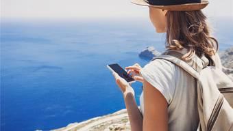 Wer als Schweizer Kunde im Ausland telefoniert, muss mit erheblichen Mehrkosten rechnen. Thinkstock