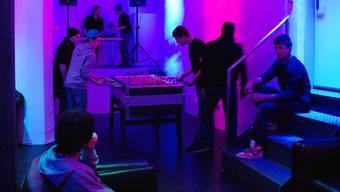 Die Jugendlichen betreiben den «Club 56» im Katatomm selber. Der Jugendtreff geniesst im Tommasini Gastrecht.  Irena Jurinak Der «Club 56» lockt immer mehr junge Lenzburger an.   Irena Jurinak