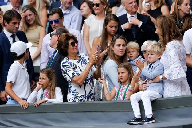2017 durfte Roger Federer vor seinen vier Kindern den Wimbledon-Pokal in Empfang nehmen. «Das ist für uns als Familie», sagte er damals.