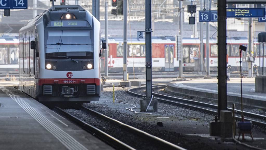 Die Zufahrt der Zentralbahn in den Bahnhof Luzern wird für einen Monat komplett gesperrt. (Archivaufnahme)
