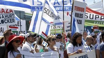 Pro-Israel-Demonstranten am Montag vor dem UNO-Sitz in Genf.