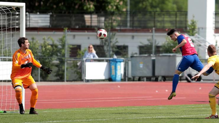 Tician Tushi bringt Basel früh in Führung.