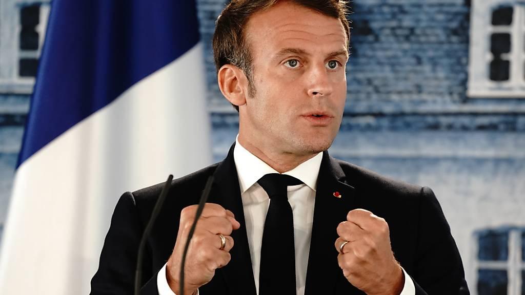 ARCHIV - Nach der Explosion in Beirut mit mindestens 100 Toten will der französische Staatschef Emmanuel Macron in die libanesische Hauptstadt reisen. Foto: Kay Nietfeld/dpa-Pool/dpa