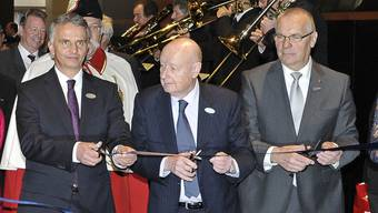 Jacques Duchêne bei der Eröffnung der Baselworld 2011 (Mitte).