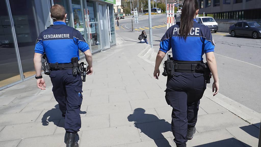 Verhaftungen wegen illegalen Geldtransfers ins Ausland