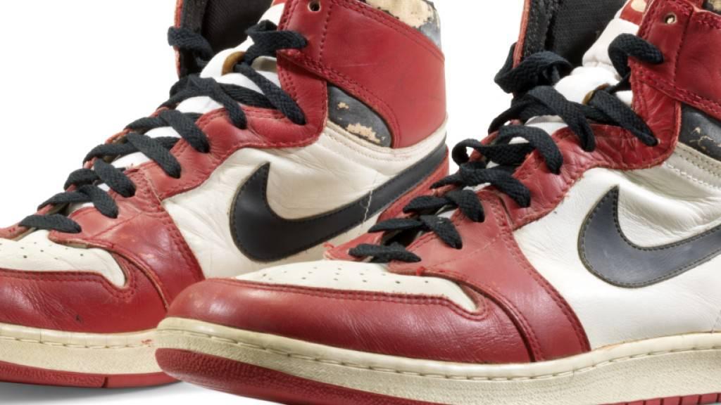 Auktions-Rekord: 615 000 Dollar für Sportschuhe von Michael Jordan