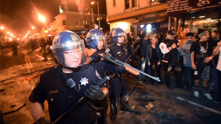 San Francisco, Ende Oktober: Amerikanische Polizisten gehen selten mit Samthandschuhen vor.Noah Berger/AP/KEY