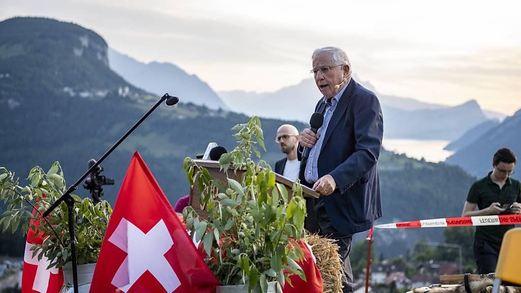 Alt Bundesrat Christoph Blocher spricht sich für Wachsamkeit aus, damit der Staat im Zuge der Corona-Pandemie nicht zu viel Macht an sich reisst. (Archivbild)