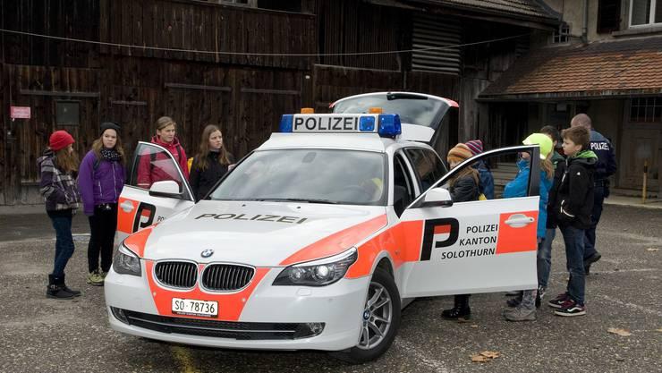 Wie sieht es denn genau in einem Polizeiauto aus?