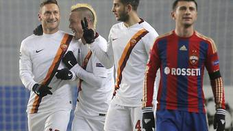 Roma-Captain Francesco Totti (l.) nach seinem Treffer zum 1:0