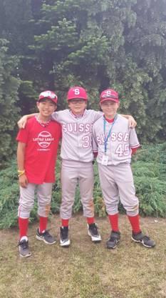 v.l.n.r: Shuhei Iwasaki, Easton Fluehmann, Dustin Gronostay von den Therwil Flyers