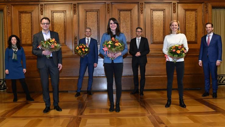 Die künftige Basler Regierung (v.l.): Tanja Soland, Kaspar Sutter, Beat Jans (alle SP), Stephanie Eymann (LDP), Lukas Engelberger (CVP), Esther Keller (GLP) und Conradin Cramer (LDP).