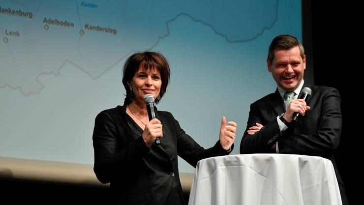 «Die Stadt Biel könnte ja bei der Finanzierung der Privatmedien mithelfen», schlug eine sichtlich gut gelaunte Bundesrätin Doris Leuthard vor, rechts Urs Gredig.
