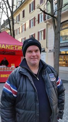 Richard Kränzlin, 52, Neuheim (ZG): Durch den Tag bin ich an einem Stand der Dianetik und den Abend verbringe ich in Zürich an einem Neujahrsevent der Scientology.