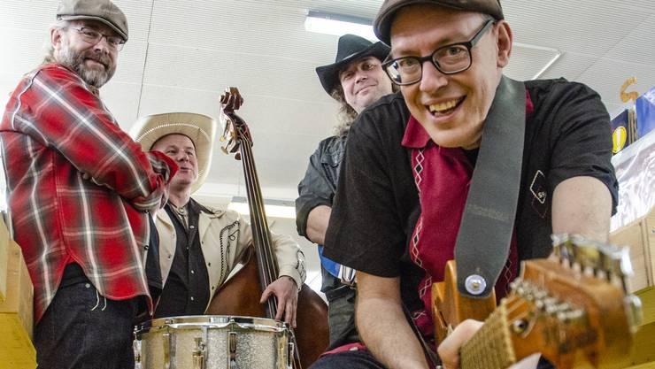 Hans-Peter Frei (JP Free), Phil Traussnig, Sebi Niessner und Bandleader Leo Niessner taufen heute Abend im «Werkk» ihre erste Platte, «Don't Stop the Bob».