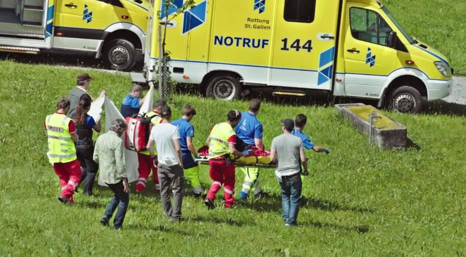 Richard Hammond wird ins Spital gebracht