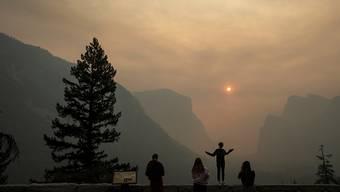 Im berühmten US-Nationalpark Yosemite sind Besucherinnen und Besucher an  einer  Margen-Darm-Grippe erkrankt. Die Behörden haben nun eine umfangreiche Putzaktion angeordnet. (Archivbild)