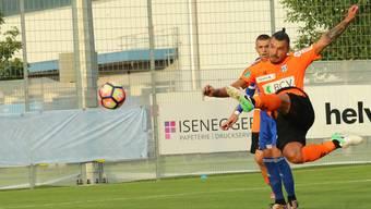 Lausannes Bojinov trifft zum 1:0.