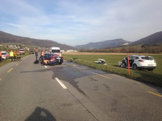 Der Unfallverursacher hat sich bei dem Vorfall mittelschwere bis schwere Verletzungen zugezogen.